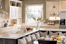 dream KITCHEN / a dream kitchen is one with lots of counter space and without clutter!
