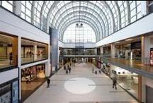 Shopping center / Facades and floors for shopping malls with elegant and contemporary porcelain tiles.