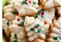 HOLIDAY RECIPES / by Amanda Goforth
