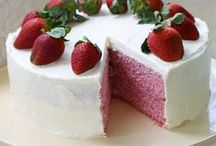 Cakes / by Deita Jensen