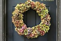 Fall Decorating Ideas / Pumpkins, mums and all things fall - decorate your home to welcome the cozy autumn season! Fall decor including DIY wreaths, outdoor decor, table settings, and more.