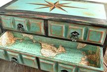 My Painted Treasures / MagiaMia chalk-painted jewelry chests, home decor and accents.