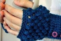 Wrist Warmers/Wristlets / Crochet wrist warmer, wristlets, fingrless glove, wristwarmer patterns