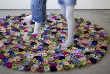 Rugs in Crochet / Crochet rugs of all shapes and sizes. I especially LOVE the rugs made from doilies!