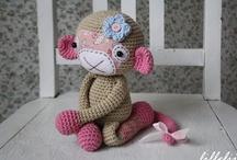 Crochet Amigurumi / Shsped crochet patterns such as animals or toys
