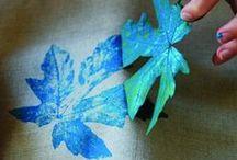 Leaf printing & leaf rubbing (frottage) / Hand printing leaves and hand rubbing leaves which is also called frottage.