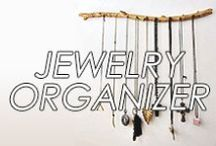 DIY Jewelry Organizer / #diy #jewelry #holder #organizer #necklaces #earrings #rings #bracelets #studs #hoops #pendants #brooches #howto #create #inspiration #hanging #tree #box #crafts