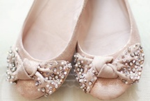 Oh How I Love Shoes! / by Wedding Colors