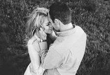 Engagement Photos/Couple Poses / Engagement photos