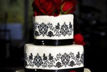 THEMED CAKES/CUPCAKES!  / Cakes with decorating themes!  / by Beverly West