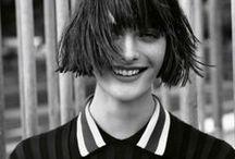 Cheveux / Hair / Cheveux  coupe coiffures cheveux courts chignons Tutoriel