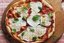 I love pizza / by Una cucina tutta per sé (Blog)