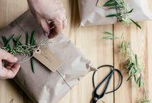 Gift(s)/ wrapping/ kado(otjes)  inpakken