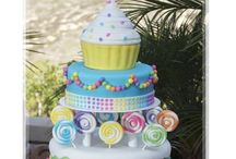 You Take the Cake! / Awesome cakes! / by Carole Lesly