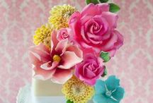 Pretty Cakes / by Samantha Tallon