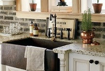 Home - Kitchen/Pantry / by Jeanette Diaz