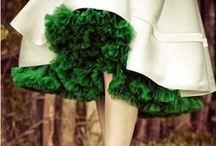 Pantone Emerald Green / by Anna Sheedy