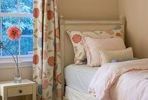 Home: Bedroom - Girls / by Kassandra Raleigh