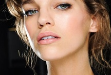 Makeup .. Looks and Techiques / by Patricia O'Neal