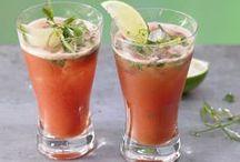 Gesunde Getränke und Cocktails / Ihr wollt mit einem Smoothie, Saft oder Shake gesund in den Tag starten? Kein Problem. Wir liefern Euch die passenden Rezepte. / by EAT SMARTER