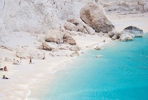 Amazing Beaches / Greece is a country that has amazing things to offer to the visitors. One of the main attractions of the country is the many Greece beaches decorating its coasts!