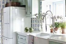 quaint lil kitchens..... / some fun things in here!! / by Juanita Holmes