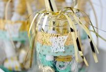 New Year Crafts / Bring in the New Year with some fun and sparkly creations and deck the halls with some of these handmade glitzy ideas!