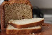 Pães / Quentinho e saboroso: tem coisa mais gostosa que um pãozinho?