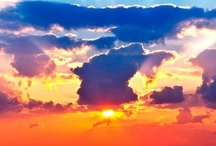Sunrises, Sunsets and Sunrays / by Valeria Encinas-Fortin