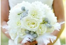 Flowers! / Everything about wedding flowers. From helping you find a local wedding florist to great flower and bouquet ideas. Enjoy this wedding flower advice from Salt Lake Wedding Reviews!