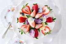 Beautiful Recipes We Love / Beautiful recipes that look as good as they taste. / by SoYoung