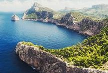Nature in Mallorca / Join us on a digital journey of Mallorca's fascinating natural gems, from the azure sea to green and golden Tramuntana Mountain range.