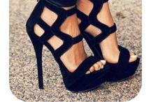 Shoes Shoes Shoes... / by Arzu Inoğlu