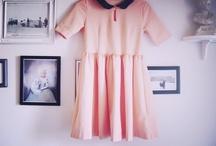 om korta kjolar och kragar
