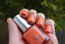 Vernis Corail 7free / Une couleur irrésistible pour faire twister votre été ! Ce vernis à ongles Corail habille vos ongles d'une touche de lumière pile dans la tendance.