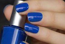 Vernis Bleu Lapis Lazuli 7free / Pour se démarquer, rien de tel qu'un vernis à ongles bleu indigo ! Ce vernis, joliment intitulé Lapis Lazuli, en rappel à la pierre volcanique qui porte cette couleur, vous promet couvrance et tenue infaillible !