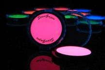 Blacklight Neon Party Make Up / All you need for your Blacklight Neon Party.