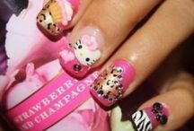 I Heart Hello Kitty