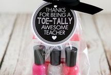 DIY Teacher Gifts / Show your children's teachers how much you appreciate them with these homemade gift ideas. They are perfect for back-to-school, teacher appreciation, and end-of-the-year! #DIY #DIYcrafts #diygifts #diygiftidea