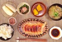 Japan: Ichijuu-sansai 一汁三菜 / Complete Japanese meals. I love Japanese breakfast.