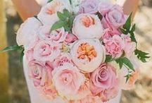 Wedding Bouquet Ideas / Gorgeous bouquet ideas for your wedding, with anything from roses to carnations.