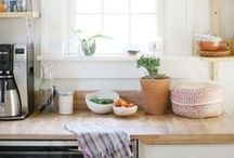 HOME / kitchens
