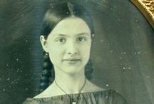 Portrait-tastic / Inspiration for vintage-inspired photography. / by Heather Parish