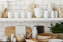 Dwell : Kitchen / by Ali Reese