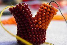 DIY beaded crochet. Ganchillo con cuentas. / by Ana María Pozo Reyes