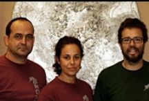"""Taller Bronzo-La Laguna (Tenerife) / """"La artesanía creativa debe convertirse en polo de desarrollo económico en la Isla"""".Bronzo es un taller artesano que agrupa a tres escultores y fundidores, vinculados por la facultad de Bellas Artes donde coincidieron durante sus estudios en la década de los 80. El taller se funda en 1985 a raíz del premio que obtuvieron en el concurso del monumento a Francisco Afonso Carrillo.De ese equipo fundador quedan ahora dos miembros, Evelina Martín y Fco. de Armas y en el 94 se suma Ventura Alemán."""