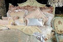 (Dreamy) Bedrooms / by Lynne Wedeen