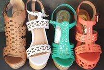 shoes i loveee / by Allie Batcho