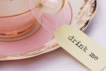 Xícaras, canecas, chá da tarde