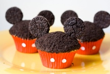 Mickey Birthday / It's Mickey Mouse Clubhouse!  Throw a birthday party featuring everyone's favorite mouse with these recipes, decoration tutorials, and crafts. / by Mad in Crafts